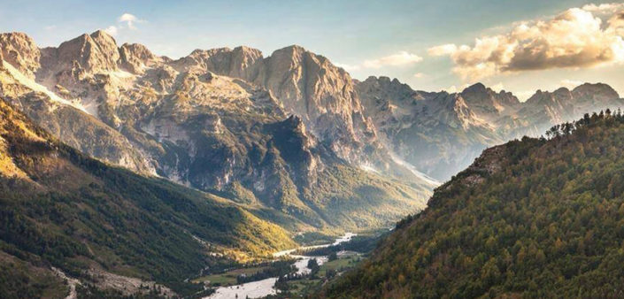 Path from Valbona to Theth 4 Days